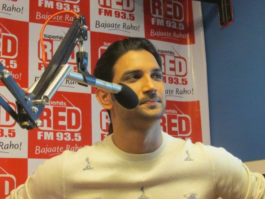 Sushant Singh Rajput,Detective Byomkesh Bakshy,upcoming film,Red FM studio,film promotion,photos