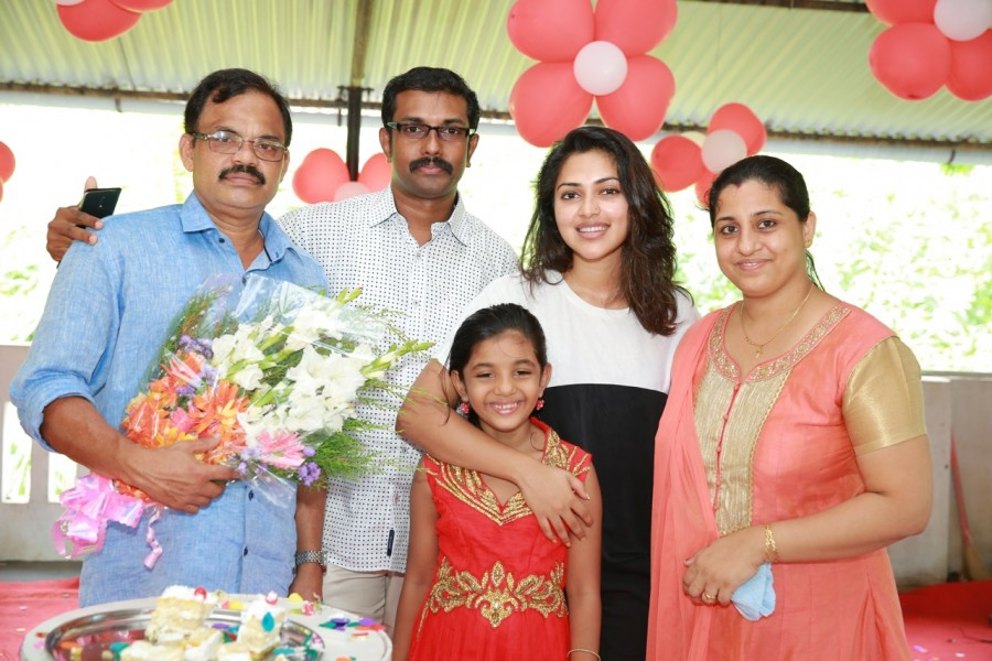 Amala paul,Amala paul photos,Amala paul recent photos,Amala paul's father's birthday,Amala paul's father's birthday celebration