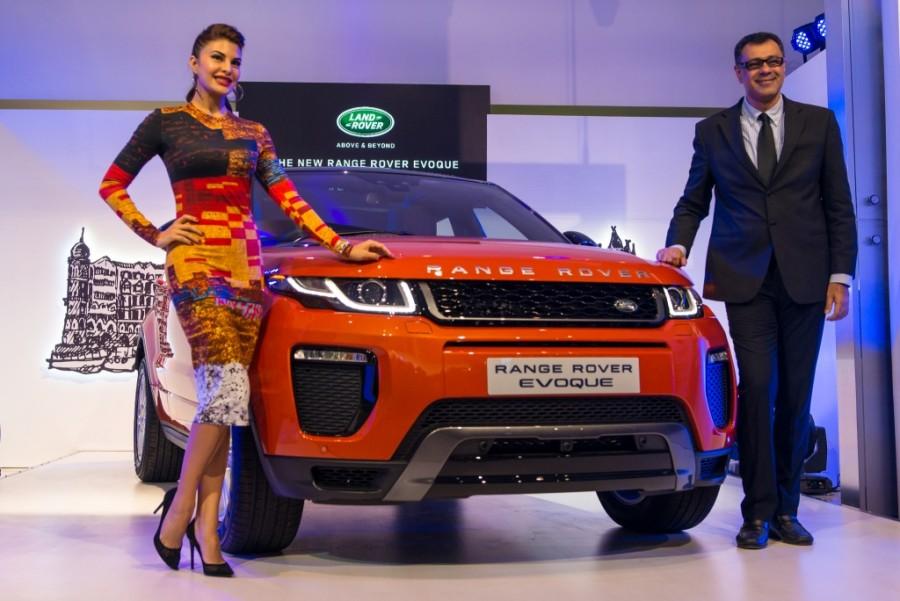 bollywood actress jacqueline fernandez unveils 2016 range rover evoque in mumbai photos images. Black Bedroom Furniture Sets. Home Design Ideas