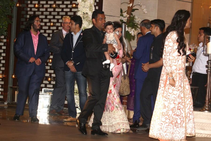 Rohit Sharma and Ritika Sajdeh wedding reception,Rohit Sharma wedding reception,Ritika Sajdeh wedding reception,Sachin,Dhoni,Shah Rukh Khan,Kohli,Aishwarya Rai Bachchan,Abhishek Bachchan,Akshay Kumar,Harbhajan Singh