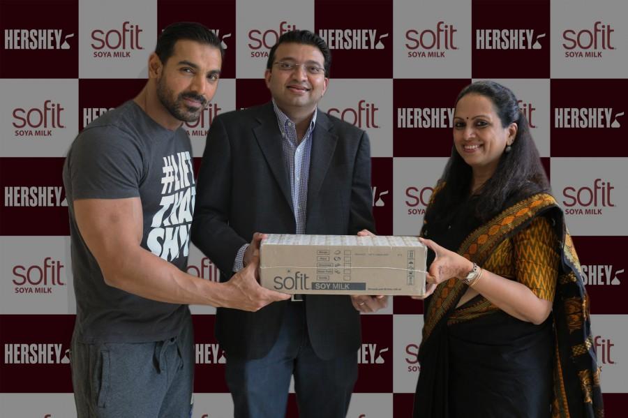 John Abraham,Chennai flood victims,John Abraham donates Soya Milk,Hershey,4 lakh Soya Milk,flood victims