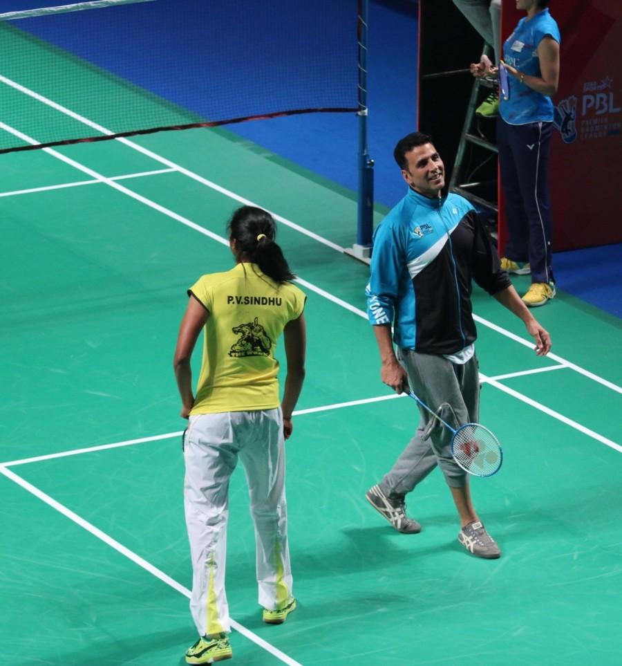 Akshay Kumar,Abhishek Bachchan,Riteish Deshmukh,PBL Final Match,PBL,Premier Badminton League,Premier Badminton League final,Akshay Kumar,Abhishek Bachchan,Riteish Deshmukh entertain badminton fans
