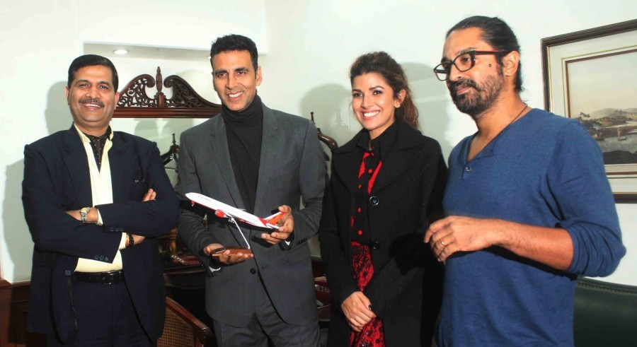 Akshay Kumar,Nimrat Kaur,Raja Krishna Menon,Airlift,Airlift movie promotion,Airlift movie promotion at Air India office,Air India office,Akshay Kumar promotes Airlift,Nimrat Kaur promotes Airlift,Akshay Kumar,Nimrat Kaur,Akshay Kumar and Nimrat Kaur,Aksh