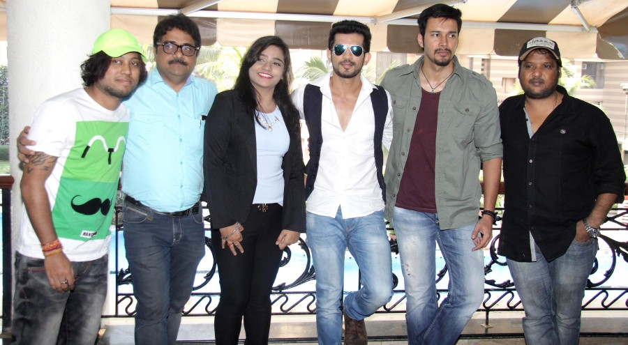 Direct Ishq,Direct Ishq movie promotion,Direct Ishq promotion,Rajniesh Duggall,Arjun Bijlani,Swati Sharrma,Rajiv Ruia,Vivek Kar,Pradeep Sharma