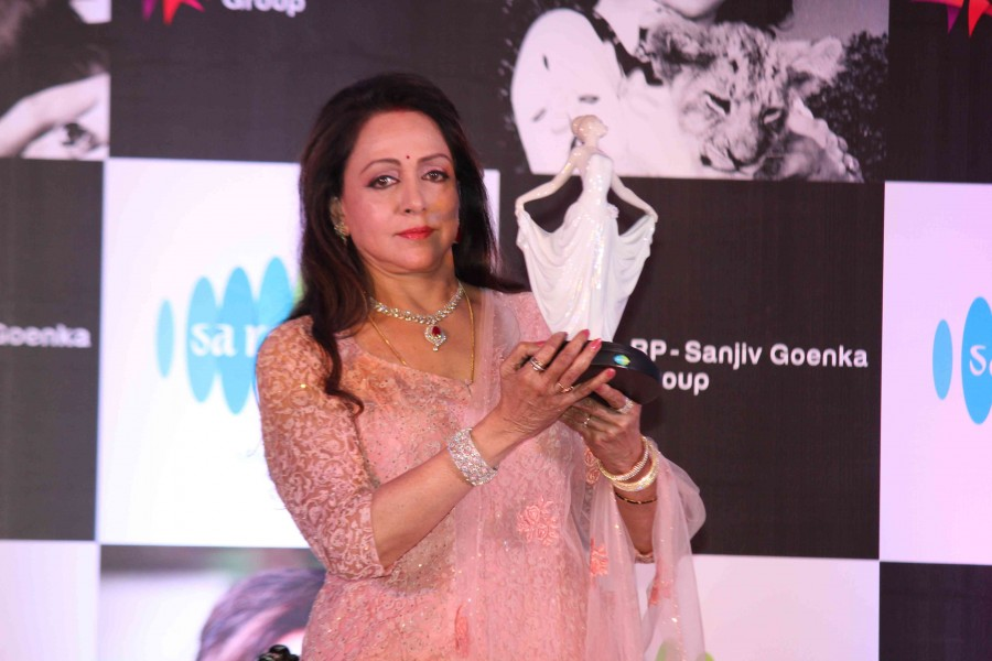 Hema Malini's 'Dream Girl' music launch,Hema Malini 'Dream Girl' music launch,Dream Girl music launch,Dream Girl music,Amitabh Bachchan,Jaya Bachchan,Dream Girl music launch pics,Dream Girl music launch images,Dream Girl music lau
