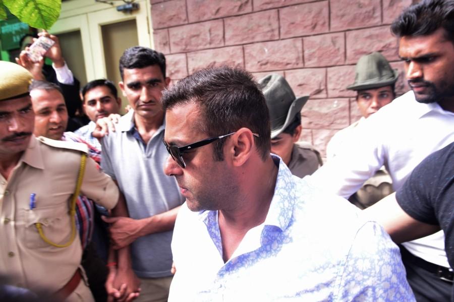 Salman Khan,Salman Khan appears at Jodhpur chief judicial magistrate,Salman Khan at Jodhpur chief judicial magistrate,Salman Khan illegal weapons,Salman Khan Blackbuck killings,Blackbuck killings,Salman Khan appears at Jodhpur Court,Blackbuck killings Cas