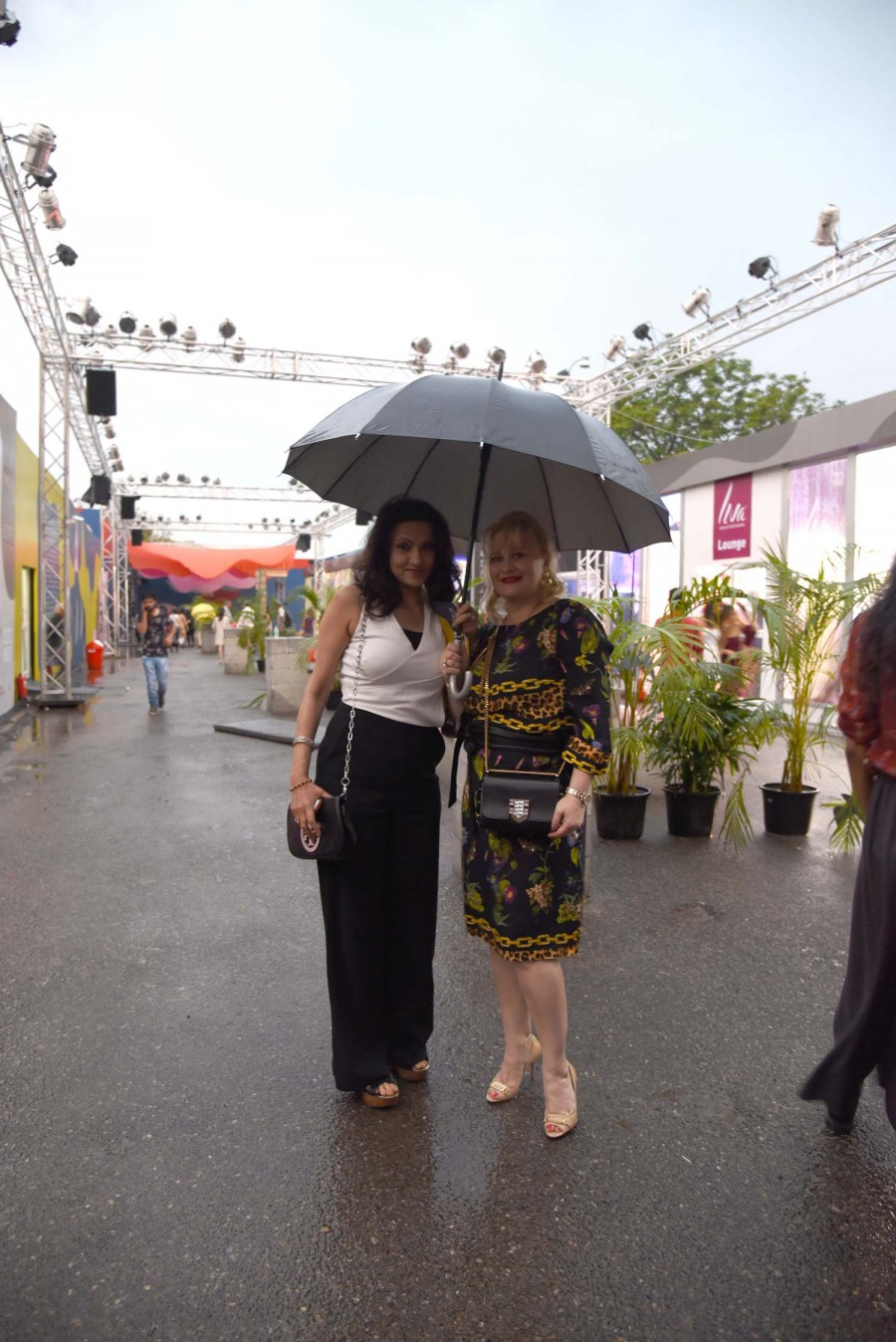 AIFW 2016,AIFW,Rain drains out fun from AIFW 2016,Amazon India Fashion Week,Amazon India Fashion Week 2016,Autumn-Winter 2016,Autumn-Winter