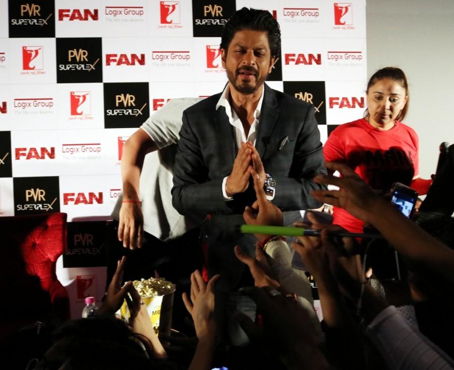 Shah Rukh Khan,Shah Rukh Khan promotes Fan in Delhi,Shah Rukh Khan promotes Fan,Shah Rukh Khan promotes Fan movie,Fan,Bollywood movie Fan,Fam movie promotion,Fam promotion