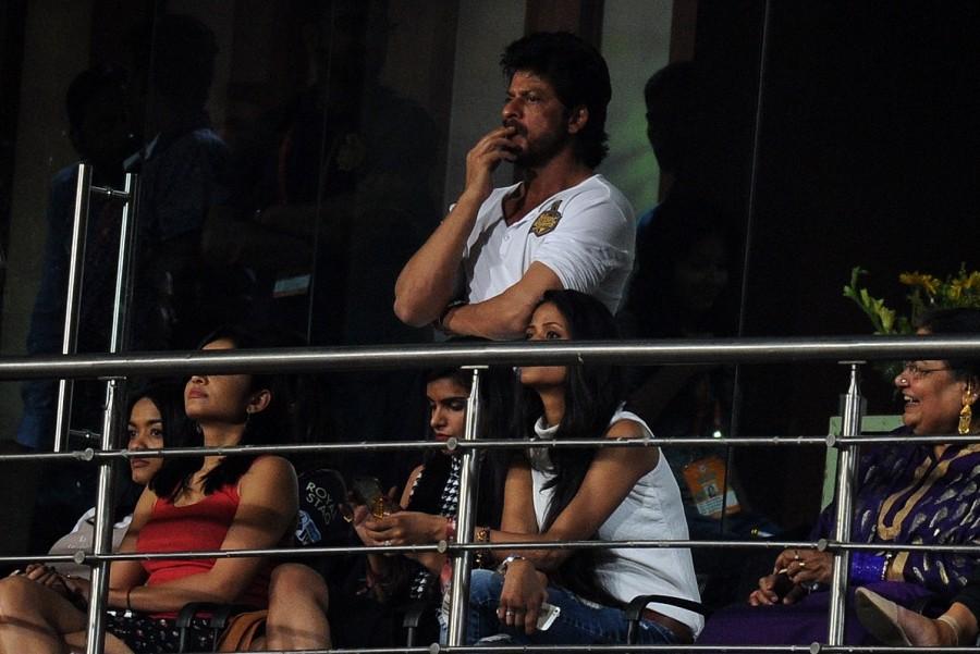 Shah Rukh Khan,AbRam,Shah Rukh Khan with son AbRam,Shah Rukh Khan and AbRam,Kolkata Knight Riders,Kings XI Punjab,Eden Gardens,Shah Rukh Khan at IPL,Shah Rukh Khan at KKR match