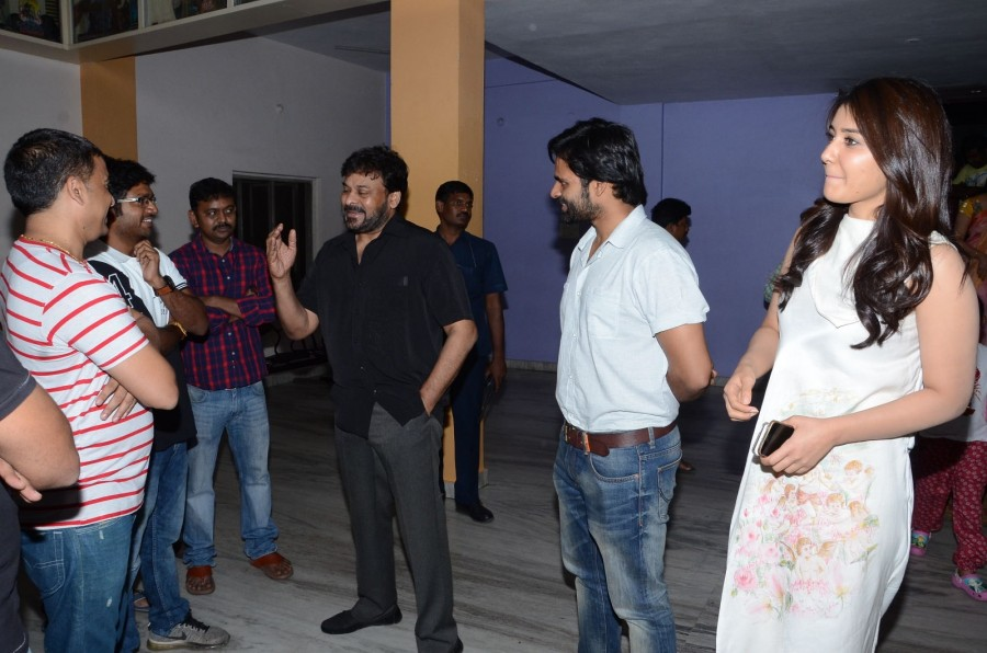 Chiranjeevi,Chiranjeevi watches Supreme movie with Sai Dharam Tej,Supreme,Sai Dharam Tej,Chiranjeevi with Sai Dharam Tej,Supreme special screening,Supreme movie,telugu movie Supreme