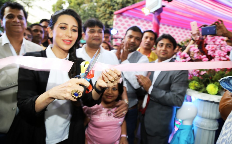 Karisma Kapoor,Karisma Kapoor inaugurates Western Basics Kids Wear Store,Western Basics Kids Wear Store,actress Karisma Kapoor,Karisma Kapoor latest pics,Karisma Kapoor latest images,Karisma Kapoor latest photos,Karisma Kapoor latest stills,Karisma Kapoor