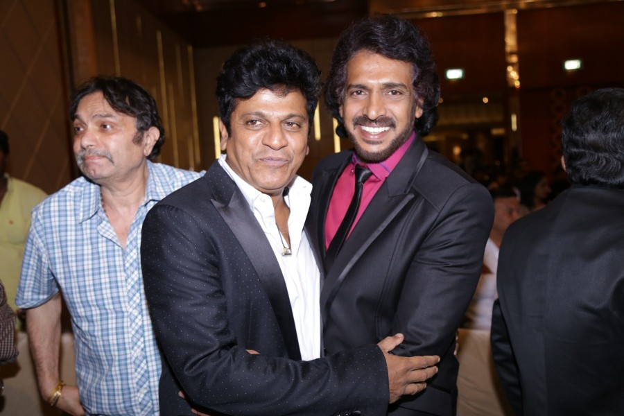 Kadhalin Pon Veedhiyil,Kadhalin Pon Veedhiyil Movie Launch,Shiva Rajkumar,Ambareesh,Upendra,Arjun Sarja,Arjun Sarja daughter,Jagapati Babu,Rockline Venkatesh,Dhruva Sarja,Kadhalin Pon Veedhiyil Movie Launch pics,Kadhalin Pon Veedhiyil Movie Launch images