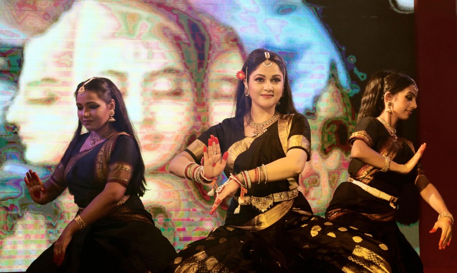 Gracy Singh,Gracy Singh performs at the Maha Kumbh Mela,Gracy Singh at Maha Kumbh Mela,Maha Kumbh Mela,Maha Kumbh Mela 2016,actress Gracy Singh,Gracy Singh pics,Gracy Singh images,Gracy Singh photos,Gracy Singh stills,Gracy Singh pictures