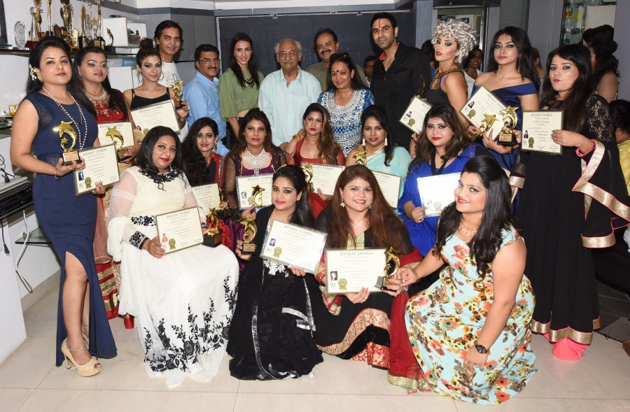 Convocation ceremony of students of Bharat & Dorris,Sandip Soparrkar,Alesia Raut,Pandhari Dada,B & D,Bharat & Dorris,fashion show