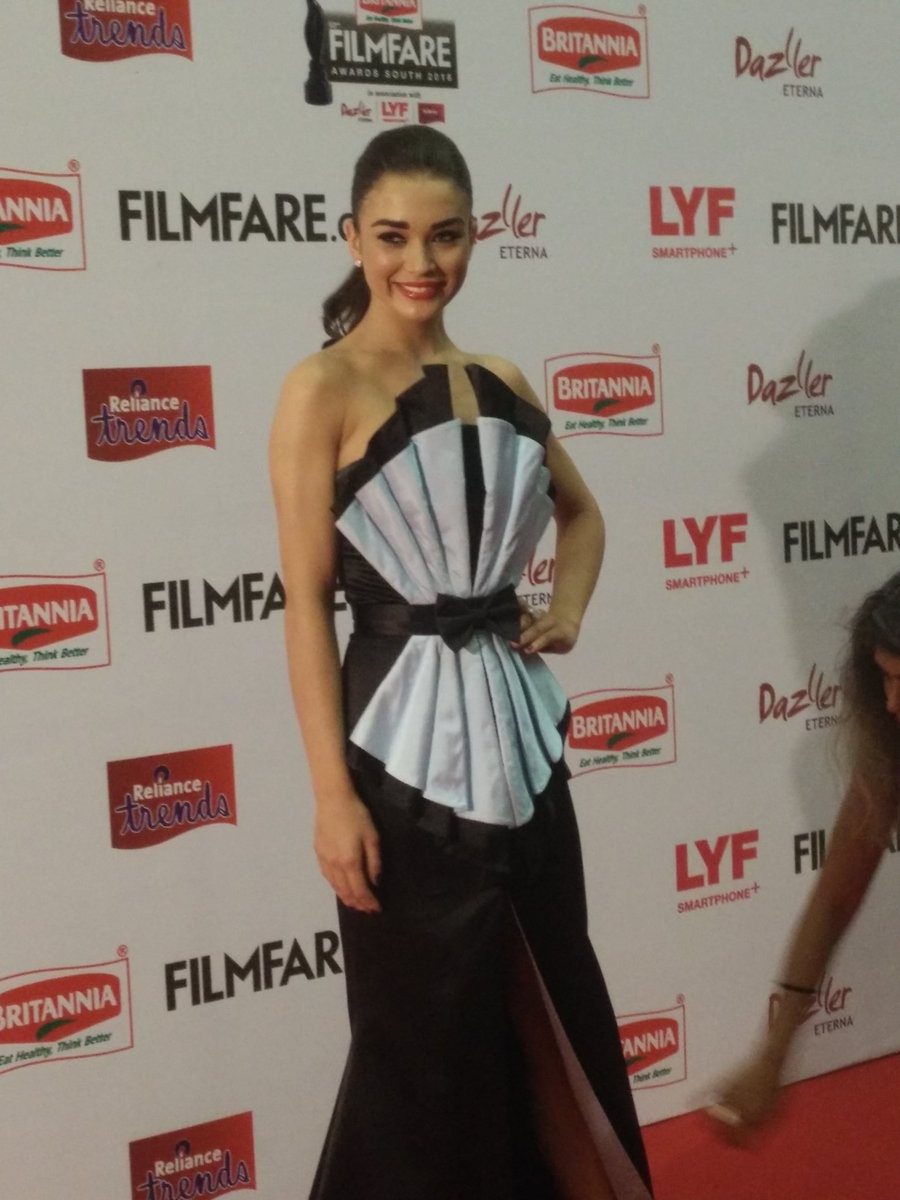 Filmfare Awards 2016,Filmfare Awards,Pranitha Subhash,Akhil Akkineni,Amy Jackson,Sai Pallavi,Filmfare Awards pics,Filmfare Awards images,Filmfare Awards photos,Filmfare Awards stills,Filmfare Awards pictures