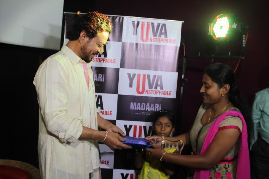 Irrfan met Jyoti,irrfan khan,irrfan khan meets jyoti,irrfan khan in Ahmedabad