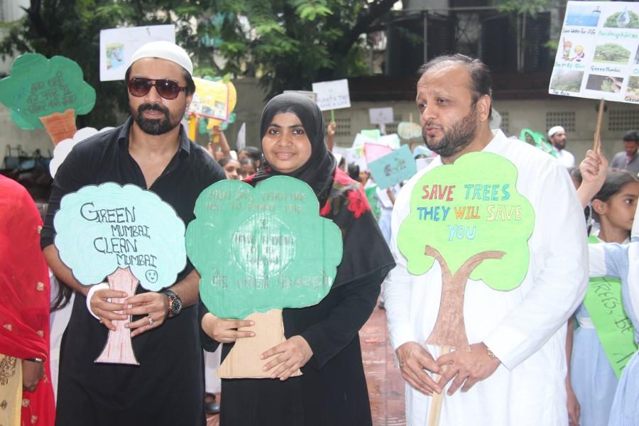 Bhamla Foundation,Ajaz Khan,Van Mahotsav Week,Philanthropist Asif Bhamla,tree plantation,planting tree,Anjuman Islam Girls School