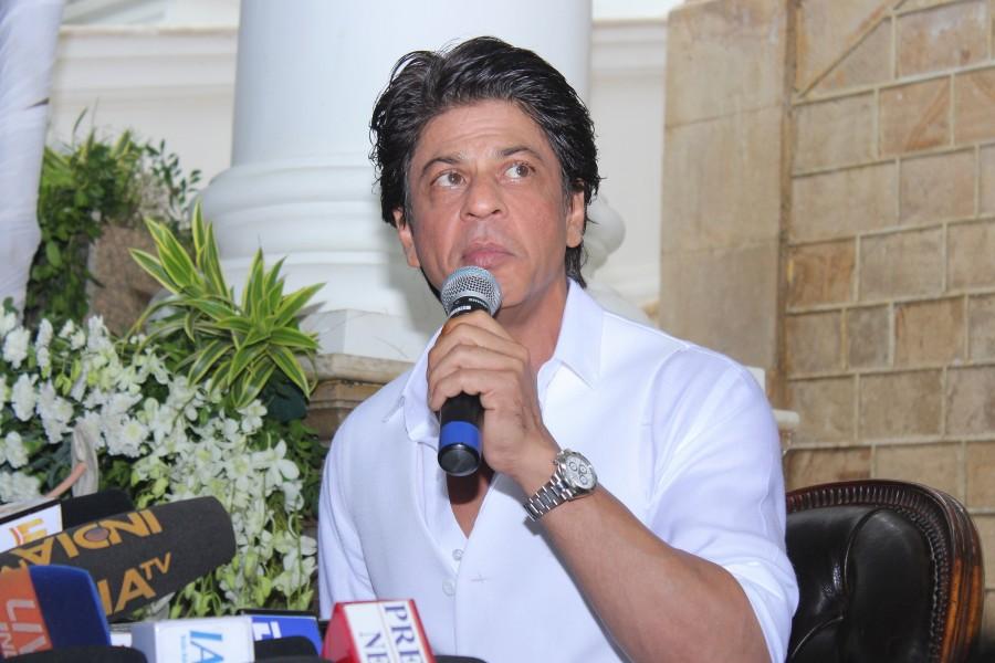 Shah Rukh Khan,Aamir Khan,Aamir,Shah Rukh Khan and Salman Khan,Aamir,Salman Khan are bigger stars than me Shah Rukh Khan,Salman Khan,Aamir and Shah Rukh