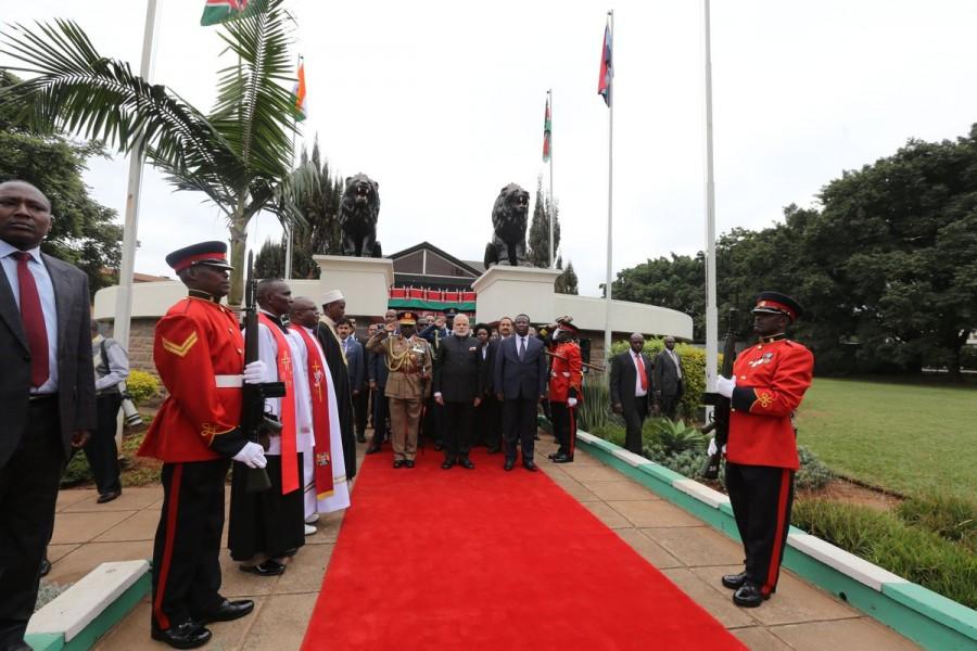 Narendra Modi,first President of Kenya,Modi pays homage to first President of Kenya,Jomo Kenyatta,President of Kenya,mausoleum