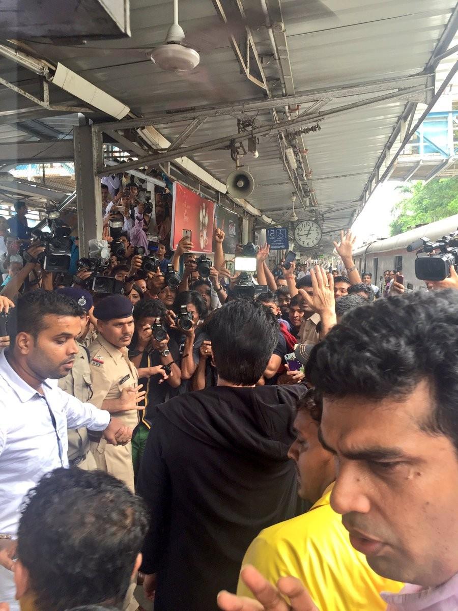 Anil Kapoor,actor Anil Kapoor,Anil Kapoor travels in local train for '24: Season 2',Anil Kapoor travels in local train,Anil Kapoor 24: Season 2,24: Season 2,Anil Kapoor travels local train,Veteran actor Anil Kapoor,Anil Kapoor latest pics,Anil K