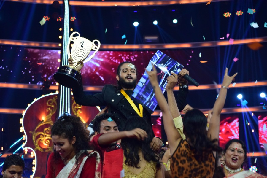 Sa Re Ga Ma Pa,Kushal Paul,kushal paul wins sa re ga ma pa,kushal paul from pritam team,sa re ga ma pa winner is kushal paul,Kushal Paul pics,Kushal Paul images,Kushal Paul photos,Kushal Paul stills,Kushal Paul pictures