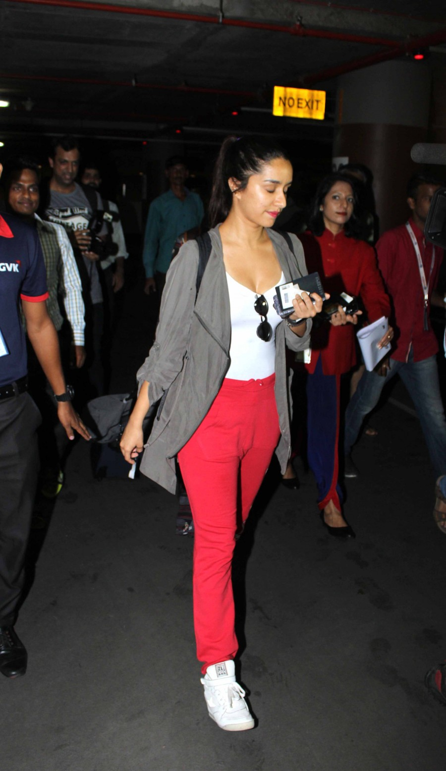Shradha Kapoor,Katrina Kaif,Sanjay Dutt,Shradha Kapoor spotted at mumbai airport,Katrina Kaif spotted at mumbai airport,Sanjay Dutt spotted at mumbai airport,Celebs at airport