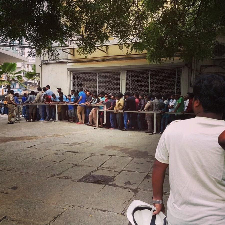 Kabali,Kabali fdfs,Rajinikanth,Kabali mania,Kabali release,Kabali first show,Kabali first day first show,Rajinikanth's fans