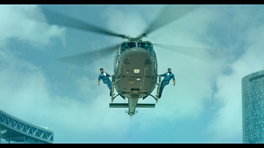 Varun Dhawan,John Abraham,live stunt for Dishoom,stunt for Dishoom movie,Varun Dhawan perform live stunt for Dishoom,John Abraham perform live stunt for Dishoom,Dishoom,bollywood movie Dishoom,Dishoom stunts