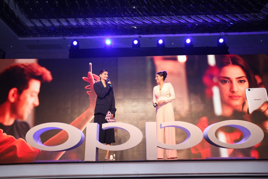 Oppo F1s,Oppo F1s launched,oppo f1s live updates,Oppo F1s launch,oppo f1s features,Oppo F1s mobile,Oppo F1s pics,Oppo F1s images,Oppo F1s stills,Oppo F1s pictures,Oppo smartphone
