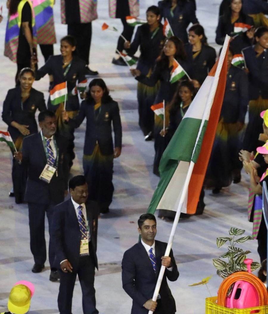 Abhinav Bindra,Abhinav Bindra leads India,Rio Olympics opening ceremony,india,Team india,Indian Team at Olympics opening ceremony,Olympics opening ceremony pics,Olympics opening ceremony images,Olympics opening ceremony photos