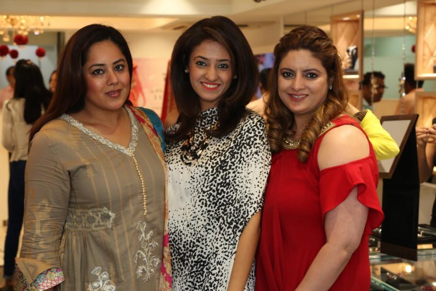 Ghanasingh,Bridal Bazaar,112th Anniversary,Aminder Madan,Krishaa Ghanasingh,Sangeeta Assomull,Prachi Thadani,Sucheta Kaushik,Sangeeta Assomull,Sangeeta Singh,Gautam Ghanasingh,Zarin Watson