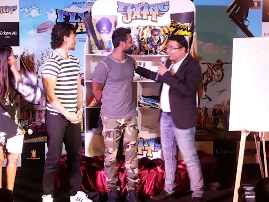 Tiger Shroff,Remo D'souza,A Flying Jatt,A Flying Jatt game,A Flying Jatt game launch,director-choreographer Remo D'souza,bollywood movie A Flying Jatt,A Flying Jatt promotions,A Flying Jatt movie promotions