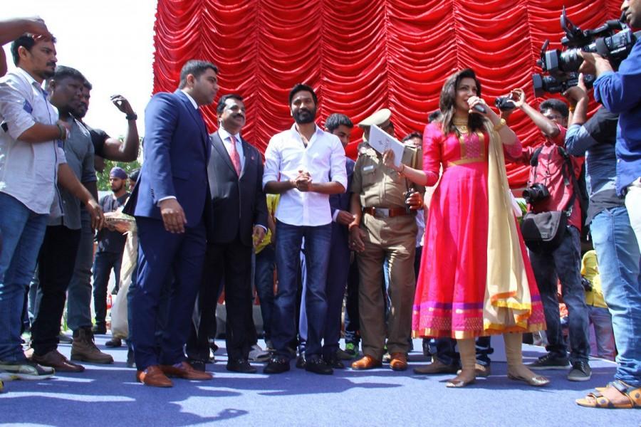 Dhanush,Dhanush inaugurates Prince Jewellery showroom,Dhanush in Coimbatore,Kodi actor Dhanush,Dhanush latest pics,Dhanush latest images,Dhanush latest photos,Dhanush latest stills,Dhanush latest pictures