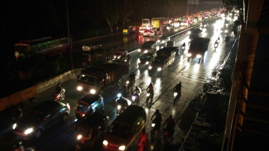Heavy rain in Delhi,Delhi Heavy rain,Heavy rains cause waterlogging,traffic jam in Delhi,waterlogging,Heavy rains cause traffic in Delhi