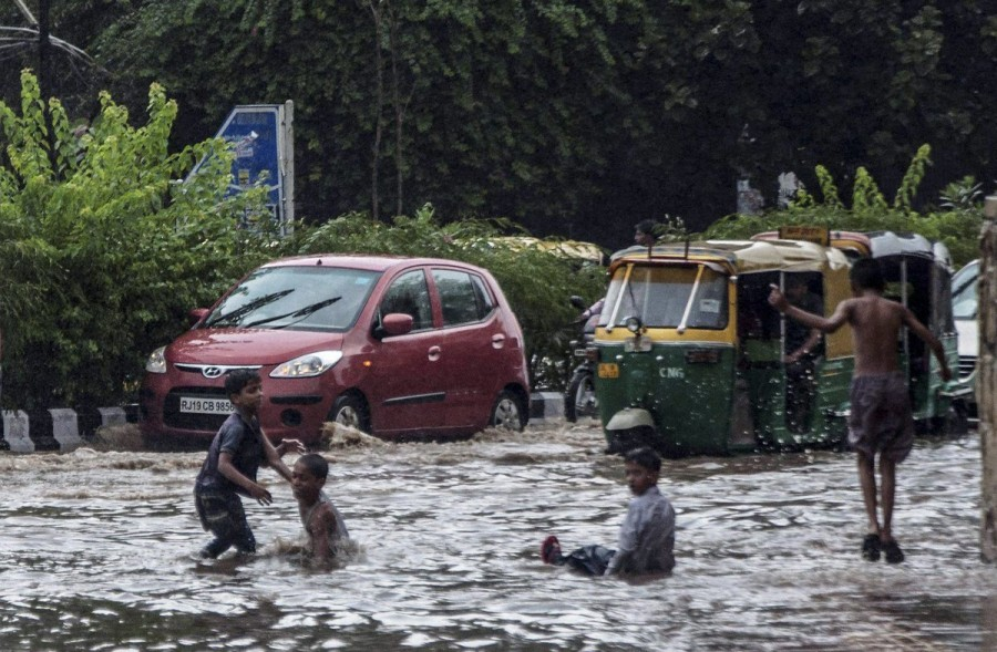 Hyderabad,heavy rain in Hyderabad,Hyderabad heavy rain,killed as rains batter Hyderabad,Hyderabad traffic,Seven killed in Hyderabad