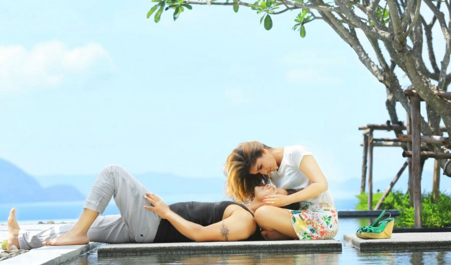 Iru Mugan,Iru Mugan review,Iru Mugan movie review,Iru Mugan preview,Vikram,Nayanthara,Nithya Menen,Vikram and Nayanthara,chiyaan vikram,chiyaan,Iru Mugan pics,Iru Mugan images,Iru Mugan photos,Iru Mugan stills,Iru Mugan pictures