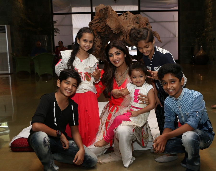 Super Dancer,Shilpa Shetty,Super Dancer kids,Ganpati Darshan,Super Dancer judge Shilpa Shetty Kundra,Shilpa Shetty Kundra,Shilpa Shetty pics,Shilpa Shetty images,Shilpa Shetty photos,Shilpa Shetty stills,Shilpa Shetty pictures