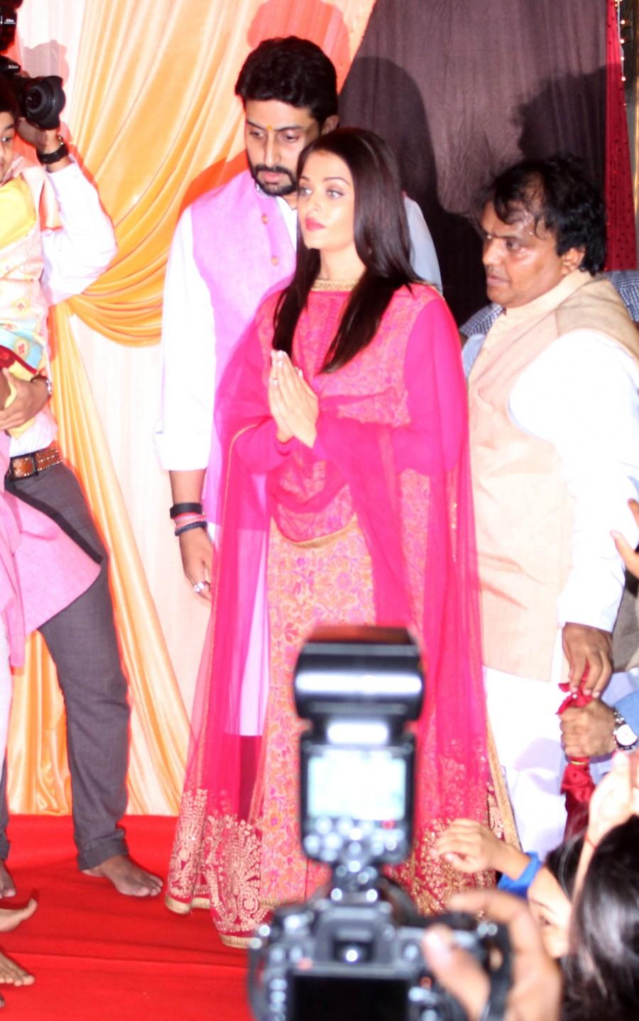 Abhishek Bachchan,Aishwarya Rai Bachchan,Aishwarya Rai,Abhishek Bachchan and Aishwarya Rai,Ganesh Chaturthi celebrations,Ganesh Chaturthi,ganesh chaturthi celebrations bollywood,Ganesh Chaturthi celebrations pics,Ganesh Chaturthi celebrations images,Ganes