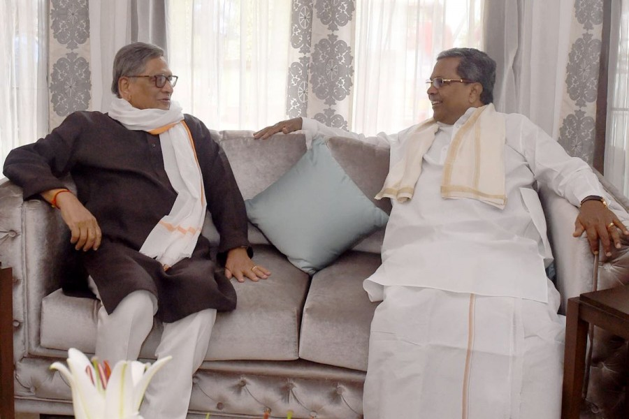 Siddaramaiah,CM Siddaramaiah,Siddaramaiah meets Deva Gowda,Deva Gowda,Cauvery issue,SM Krishna,Siddaramaiah meets SM Krishna,Cauvery,Cauvery Water Dispute,cauvery water issue,cauvery water row,cauvery dispute
