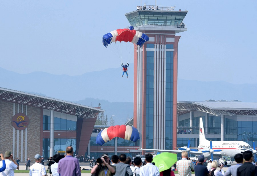 North Korea air show pictures,North Korea air show pics,North Korea air show images,North Korea air show stills,air show pictures,air show pics,air show images,air show stills,first international air show pictures,first international air show pics,Wonsan