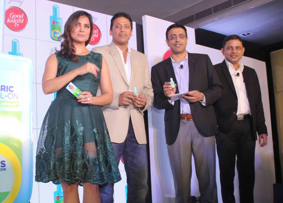 Lara Dutta and Mahesh Bhupathi,Lara Dutta,Mahesh Bhupathi,Good Night Knight home repellents,Lara Dutta pics,Lara Dutta images,Lara Dutta photos,Lara Dutta stills,Lara Dutta pictures,Mahesh Bhupathi pics,Mahesh Bhupathi images,Mahesh Bhupathi photos,Mahesh