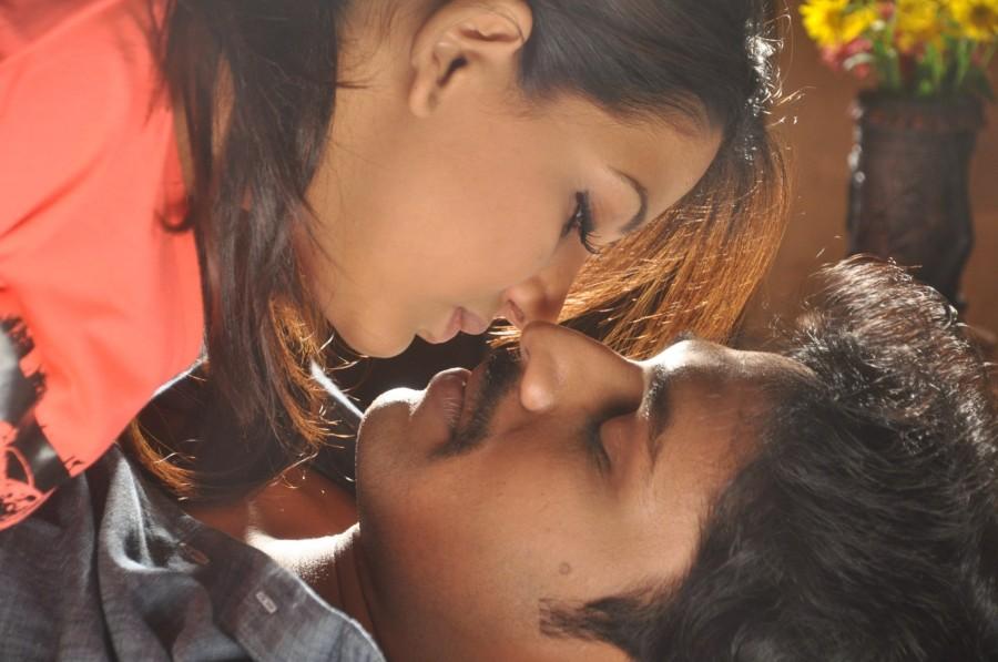Ini Avane,tamil movie Ini Avane,Santosh,Bhavani Reddy,Ash Leela,Ini Avane movie pics,Ini Avane movie stills