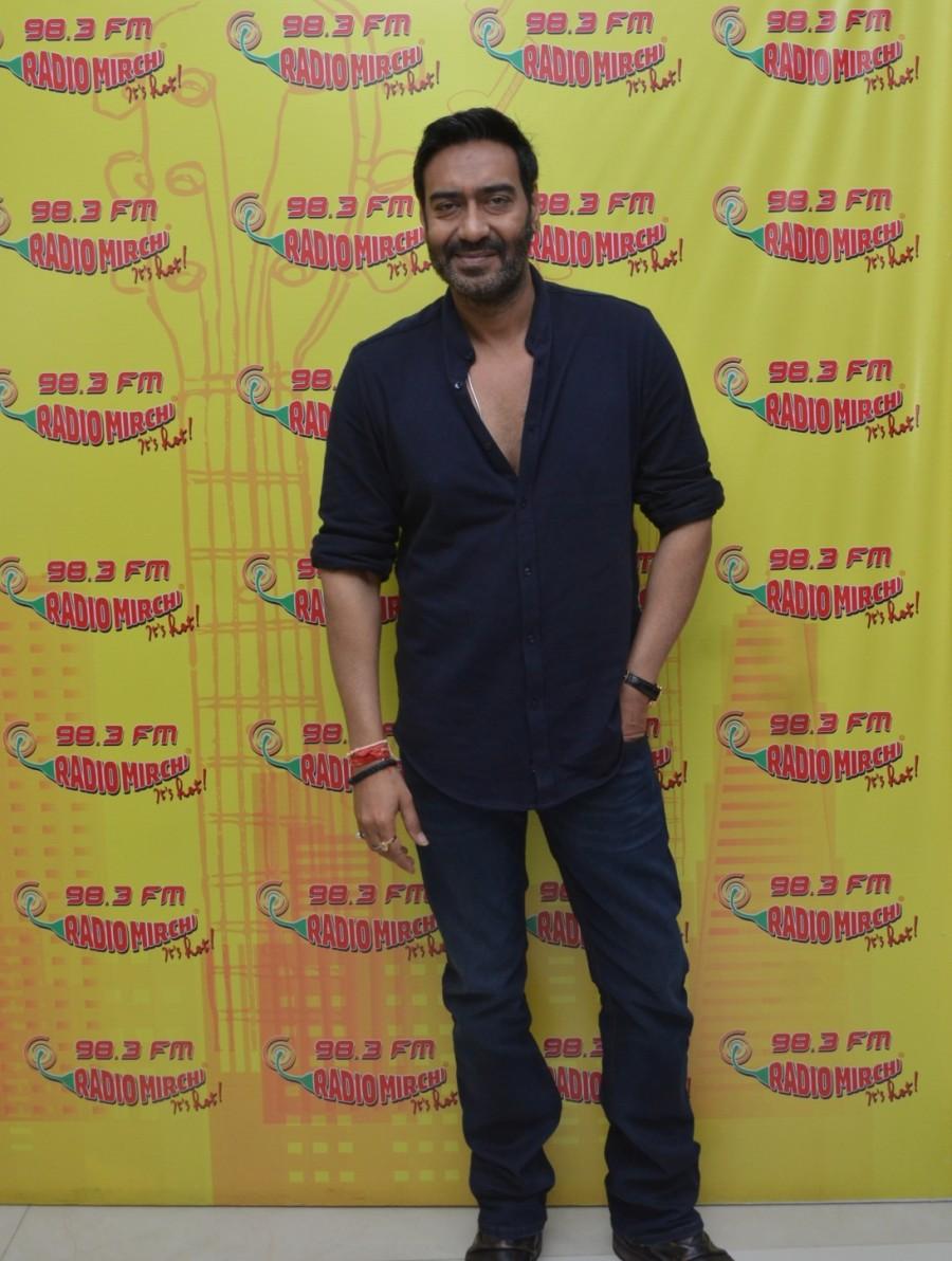 Ajay Devgan,Ajay Devgan at Radio Mirchi,Ajay Devgan promotes Shivaay,Shivaay,Shivaay promotion,Shivaay movie promotion,Ajay Devgan pics,Ajay Devgan images,Ajay Devgan stills,Ajay Devgan pictures,Ajay Devgan photos