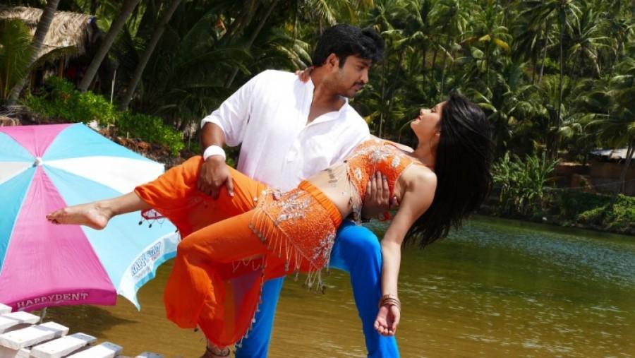 Shikaar,telugu movie Shikaar,Shikaar movie stills,Aryan Rajesh,Monica,Brahmanandam,Suman Setty,telugu movie stills,telugu movie pics
