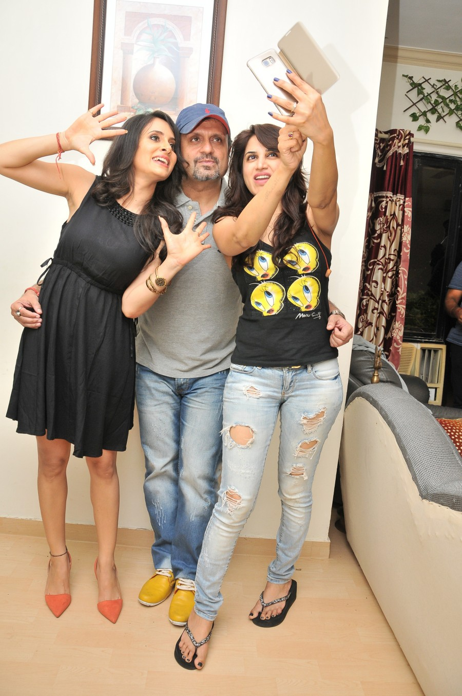 Dj Sheizwood,Dj Sheizwood Birthday Bash,Dj Sheizwood Birthday Bash pictures,Dj Sheizwood Birthday Bash pics,Dj Sheizwood Birthday Bash stills,Dj Sheizwood Birthday Bash photos,Dj Sheizwood Birthday celebrations,Dj Sheizwood Birthday celebrations pics,Dj S