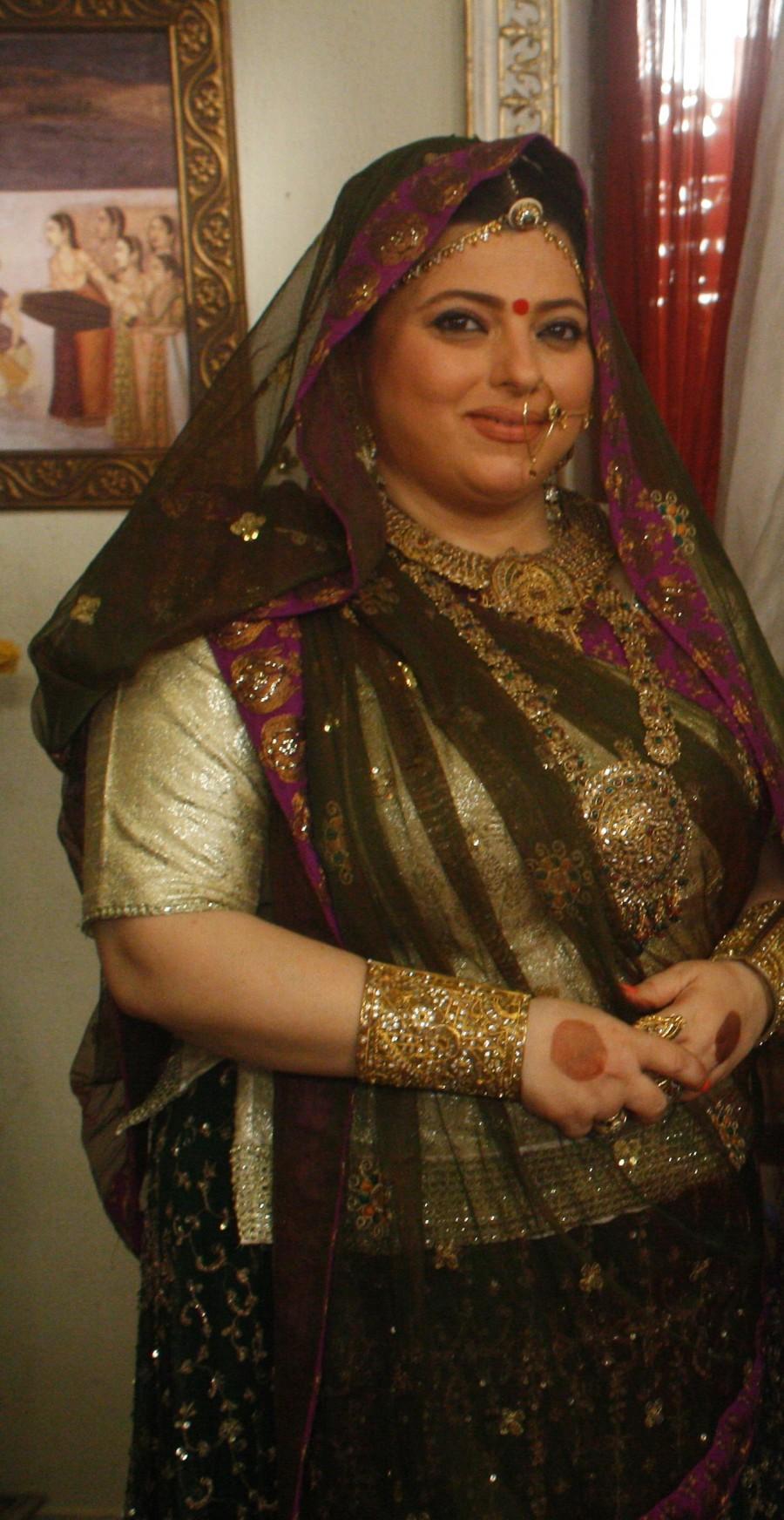 Karva Chauth,Karva Chauth special,Karva Chauth 2016,Delnaazz Irani returns to Akbar Birbal,Delnaazz Irani,Akbar Birbal,Har Mushkil Ka Hal Akbar Birbal,Rani Sahiba