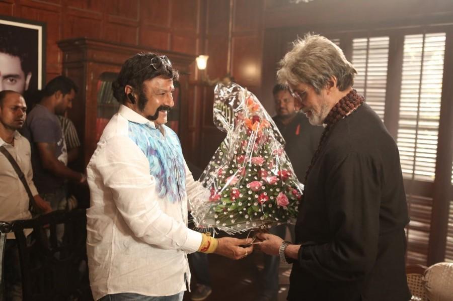 Amitabh Bachchan meets Balakrishna,Amitabh Bachchan,Balakrishna,Ramoji Film City,actor Amitabh Bachchan,Sarkar 3,Sarkar 3 shooting,Sarkar 3 on the sets