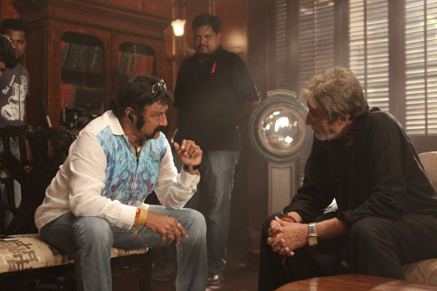 Amitabh Bachchan meets Balakrishna,Amitabh Bachchan,Balakrishna,Ramoji Film City,actor Amitabh Bachchan,Sarkar 3,Sarkar 3 shooting,Sarkar 3 on the sets