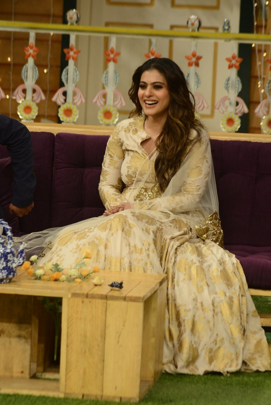 Ajay Devgan,Kajol,Ajay Devgan and Kajol,Shivaay at Kapil Sharma Show,Kapil Sharma Show,Shivaay movie promotion,Shivaay promotion,Ajay Devgan and Kajol at Kapil Sharma Show,Shivaay on the sets of The Kapil Sharma Show
