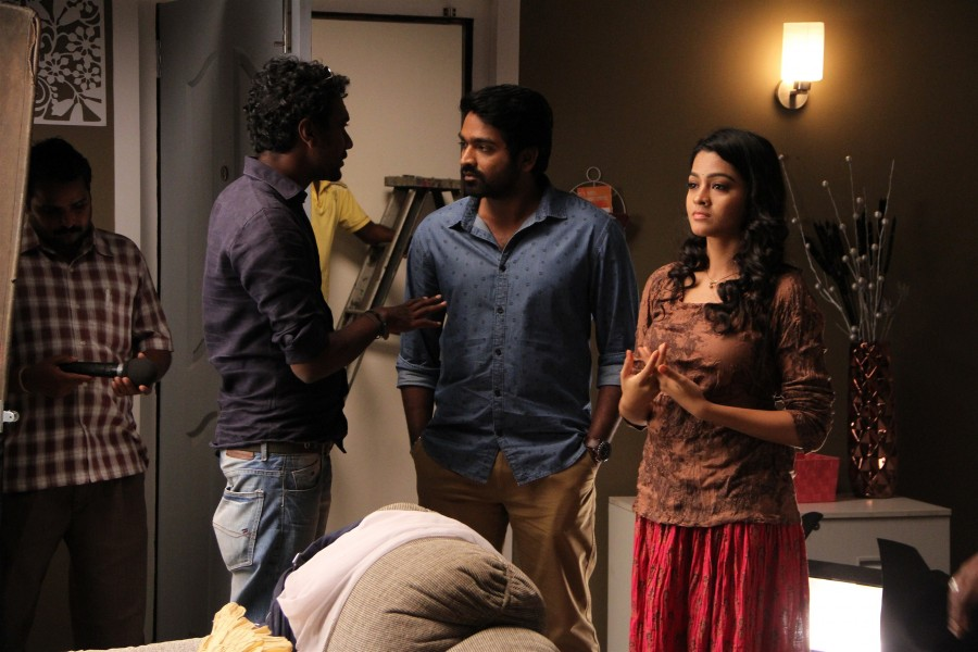 Vijay Sethupathi,Gayathrie,Mellisai,Puriyatha Puthir,MELLISAI to PURIYADHA PUTHIR,Puriyatha Puthir movie stills,Puriyatha Puthir movie pics,Puriyatha Puthir movie images,Puriyatha Puthir movie photos,Puriyatha Puthir movie pictures